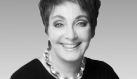 Karen Daroff of Daroff Design Inc receives Leader of Innovation medal
