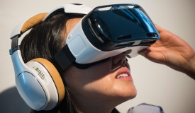 Samsung Galaxy Note 4 Features Gear VR Virtual Reality Accessory.